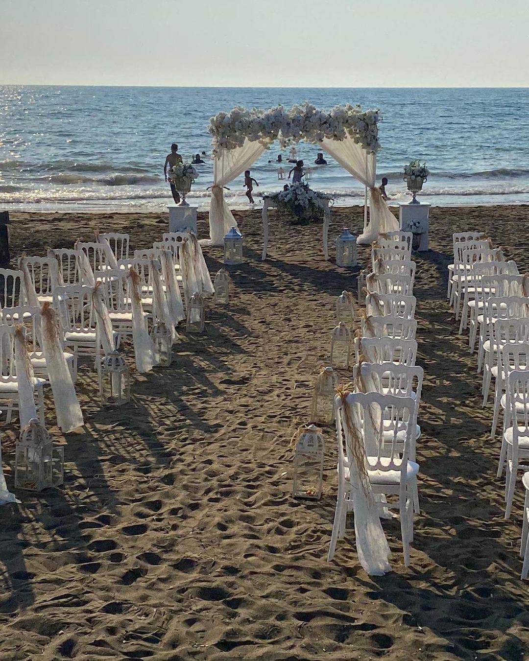 Plajda Düğün Süslemeleri