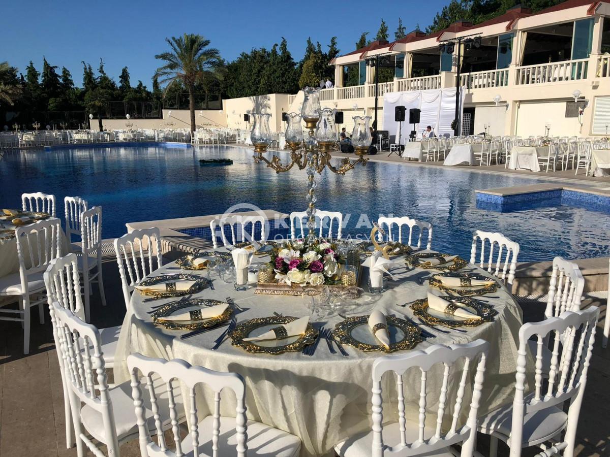 Cemile Sultan Korusu Havuz Başı Düğün Organizasyonu