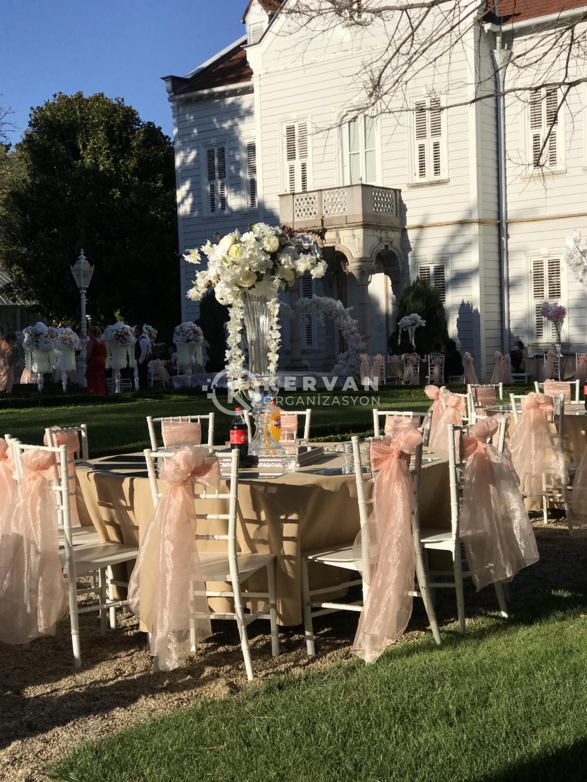 Maslak Kasrı Kır Düğünü Süsleme Konsepti
