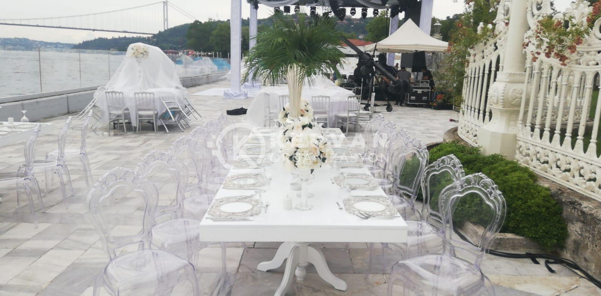 Beyaz Lake Davet Masası Kiralama